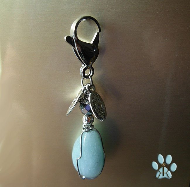 images/amazonite pet amulet 4554.jpg