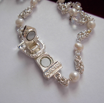 bridal necklace magnet clasp open