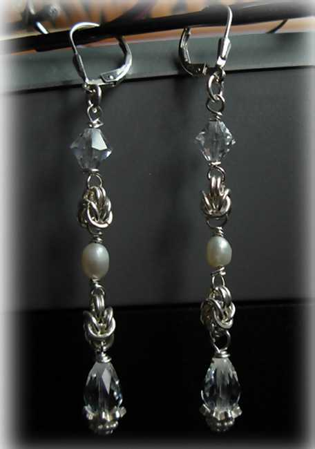 images/byzantine chainmaille crystal and pearls1.jpg