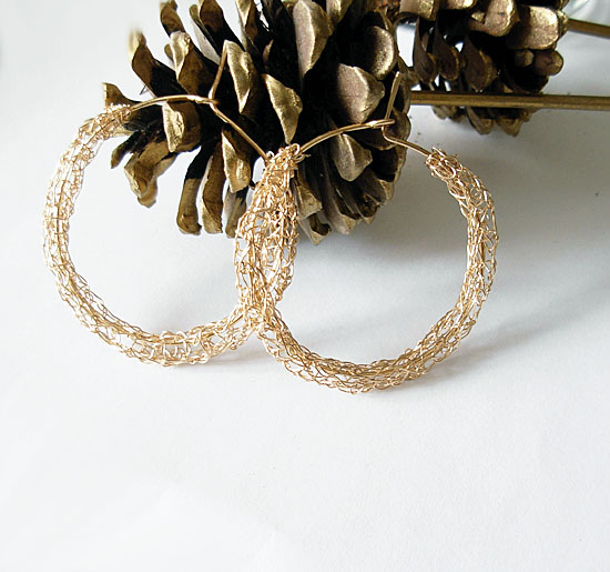 images/golden circles hoop earrings.jpg